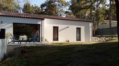 Photo for Very pleasant holiday home between town center and beaches - 6 people