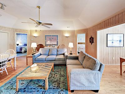 Photo for Delightful 4BR/3BA Bungalow - Great Location, 3 Pools, 250 Yards to Beach