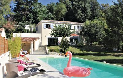 Photo for 7 bedroom accommodation in Montélimar
