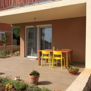 Photo for Cozy flat with private garden,2 minutes from beach