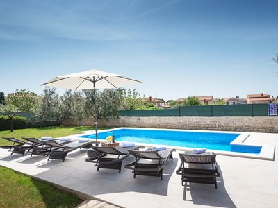 Photo for Villa with private pool, barbecue area, covered terrace and two parking spaces in the beautiful holiday region of Istria