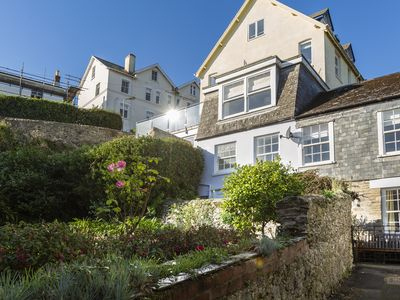 Photo for 12 ROBINSONS ROW, pet friendly, with a garden in Salcombe, Ref 994519