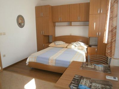 Photo for Studio flat with air-conditioning Igrane, Makarska (AS-13535-a)