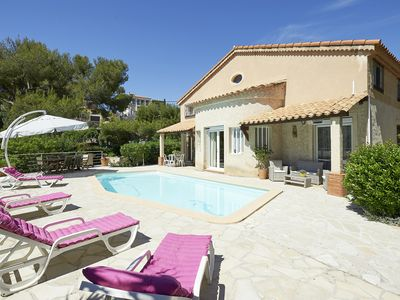 Photo for Comfortable villa 2 steps from the Calanques of Cassis