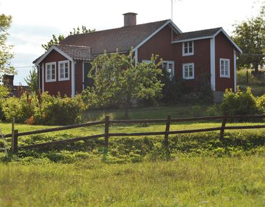 Photo for Charming house on unique old farm on archipelago island, fishing and swimming, pets allowed