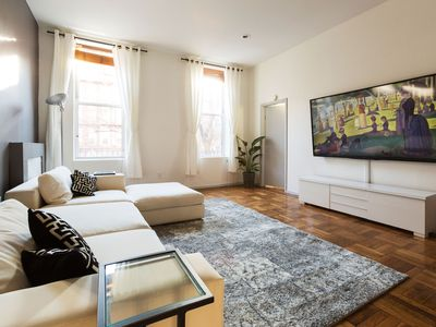 Photo for Luxury 2200ft² 4-Bedroom in the East Village!