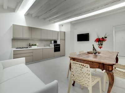 Photo for Cannaregio - large apartment with wifi and dishwasher