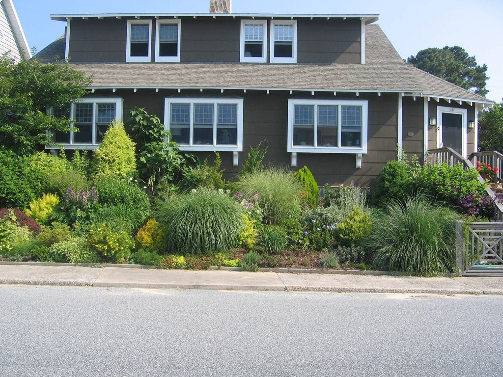 Dog Friendly Great For Families Silver Lake Dock Walk To Beach And Town South Rehoboth