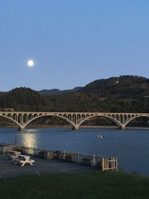 Photo for Rogue Escape is a one bedroom condominium overlooking the Rogue River