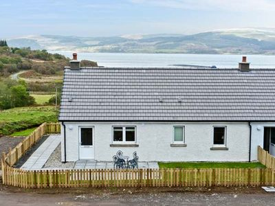 Photo for SUNSET COTTAGE, pet friendly in Salen, Isle Of Mull, Ref 938191