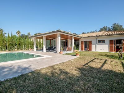 Photo for Beautiful Villa Olivera with Mountain View, Wi-Fi, Pool & Air Conditioning; Parking Available