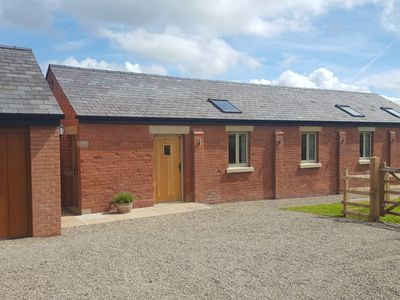 Photo for THE SHIPPON AT CURTIS HOUSE, family friendly in Longridge, Ref 958736