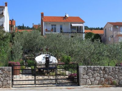 Photo for Three bedroom apartment with balcony and sea view Stari Grad (Hvar)