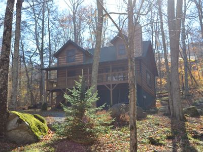 Storybook Log Cabin Escape for 8, Hiking, Fishing Within Walking Distance