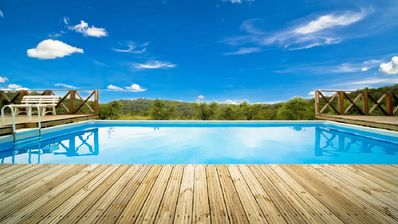 Private Villa with private pool, hot tub, WIFI, TV, panoramic view, parking, close to Arezzo