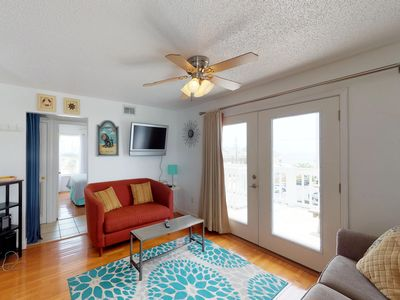 Photo for Top-floor condo w/ shared pool & great views - close to the beach!