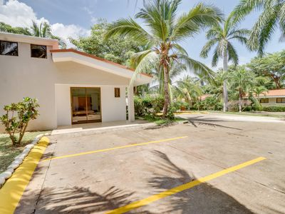 Photo for Cozy apartment with shared pool, great location near beach and town