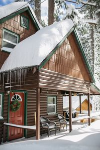 Photo for Mountain Cabin In The Pines / 2br 1ba Vintage Charmer