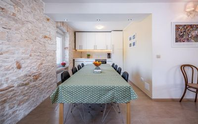 Photo for Holiday apartment Pula for 6 persons with 2 bedrooms - Holiday apartment in a villa