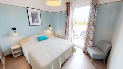 Photo for Résidence Catherine, Large 3 bedroom apartment, 120 m2 with swimming pool (4)