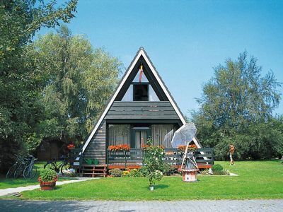 Photo for Vacation home NORDSEE-FERIENPARK FEDDERWARDERSIEL (FDD101) in Fedderwardersiel - 6 persons, 3 bedrooms