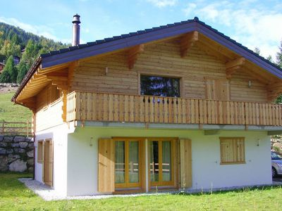 Photo for A new chalet with sauna, on the edge of La Tzoumaz