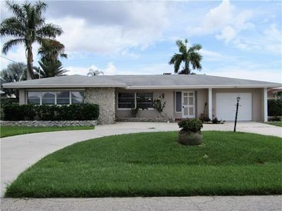 Photo for Gulf access pool home in SW Cape Coral. Boat and Sail Boat access to river.