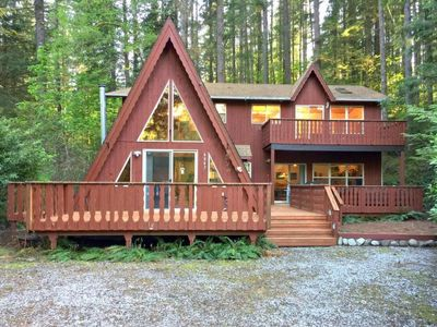 Photo for Vacation home 45SL-Hot Tub, WiFi, Gaming Area! in Mount Baker/Glacier - 10 persons, 3 bedrooms