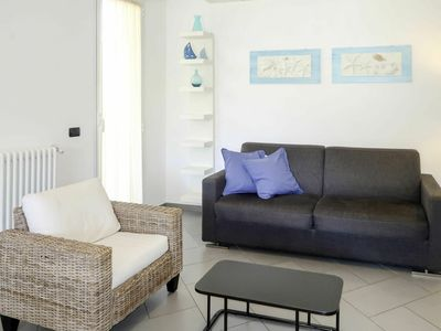 Photo for Cosy apartment for 6 people with WIFI, A/C, TV, balcony and pets allowed
