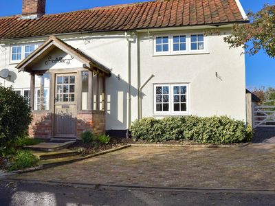 Photo for 3 bedroom property in Saxmundham.