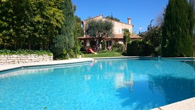 Photo for Attractive Provencal villa with vast garden and infinity swimming pool