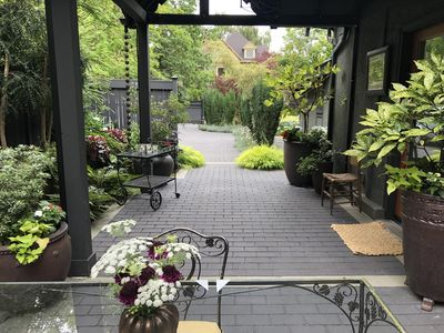 Seattle, Capitol Hill Aloha Carriage House- Private, Gated and Central