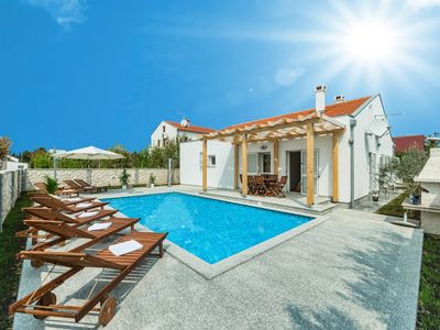 Photo for Villa with pool, just 150 meters from the beautiful sandy beach, barbecue, quiet location