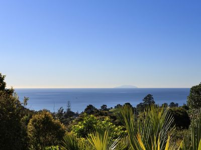 Photo for Sunny, Secluded, Seaviews, Spa Pool +4WD