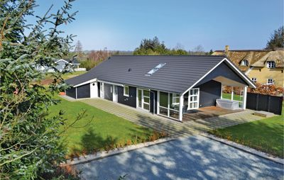 Photo for 4 bedroom accommodation in Henne