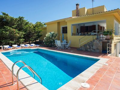 Photo for Beautiful holiday home with pool - Casa Capitán