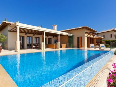 Photo for Three-bedroom Villa Tee is in a beautiful area of Paphos on Cyprus's southwest coast. Part of a comp