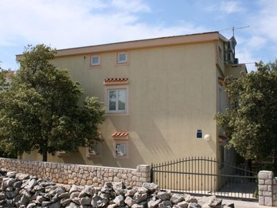 Photo for Two bedroom apartment with balcony and sea view Mandre (Pag)