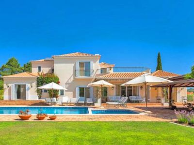 Photo for Luxury villa in Quinta do Lago with heatable pool. Near the lake PV01