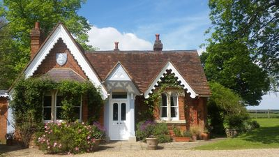 Photo for Gorgeous Country Cottage, beside Windsor Great Park & overlooking Windsor Castle
