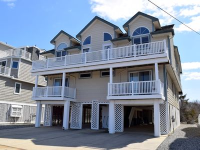 Photo for 5 BEDROOM, 3.5 BATH TOWNHOME THAT SLEEPS 11