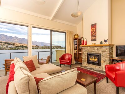 Photo for Absolute Lakeside Queenstown Villa
