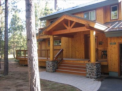 Black Butte Golf Home #59. Log accents. Large front and rear decks.