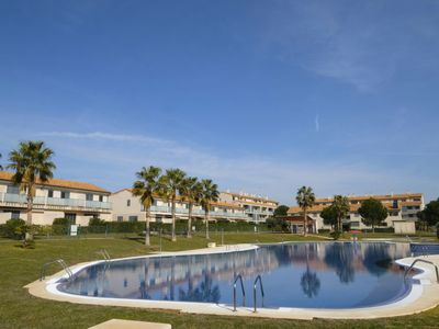 Photo for 2 bedroom Apartment, sleeps 4 with Pool, Air Con and Walk to Shops