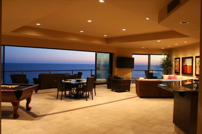 WOW**HUGE GREAT ROOM**POOL TABLE**2 64' PLASMA'S**GREAT SUNSETS