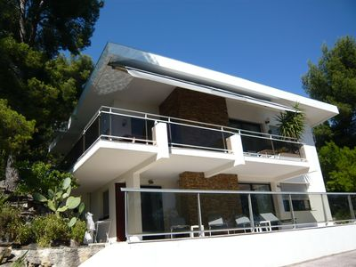 Photo for VILLA 140m ² with swimming pool for 8 people, sight on the harbor of Toulon,