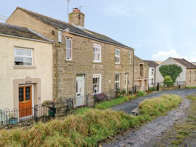 Photo for Primrose Cottage, BURTERSETT