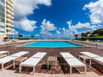 Photo for ON THE BEACH! 10 miles of SuperBowl!  Ocean view | Full amenities | Apartment