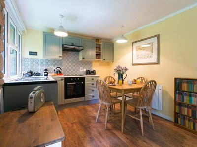 Photo for The Artist's Cottage - free parking & close to beach