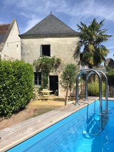 Photo for Châteaux of the Loire: comfortable cottage with pool near Villandry